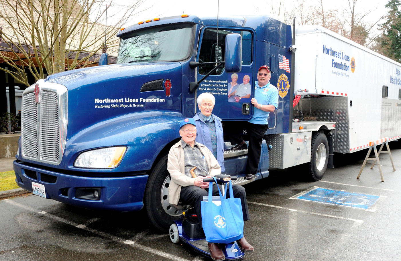 Retired couple donates Paccar stock to NW Lions Foundation