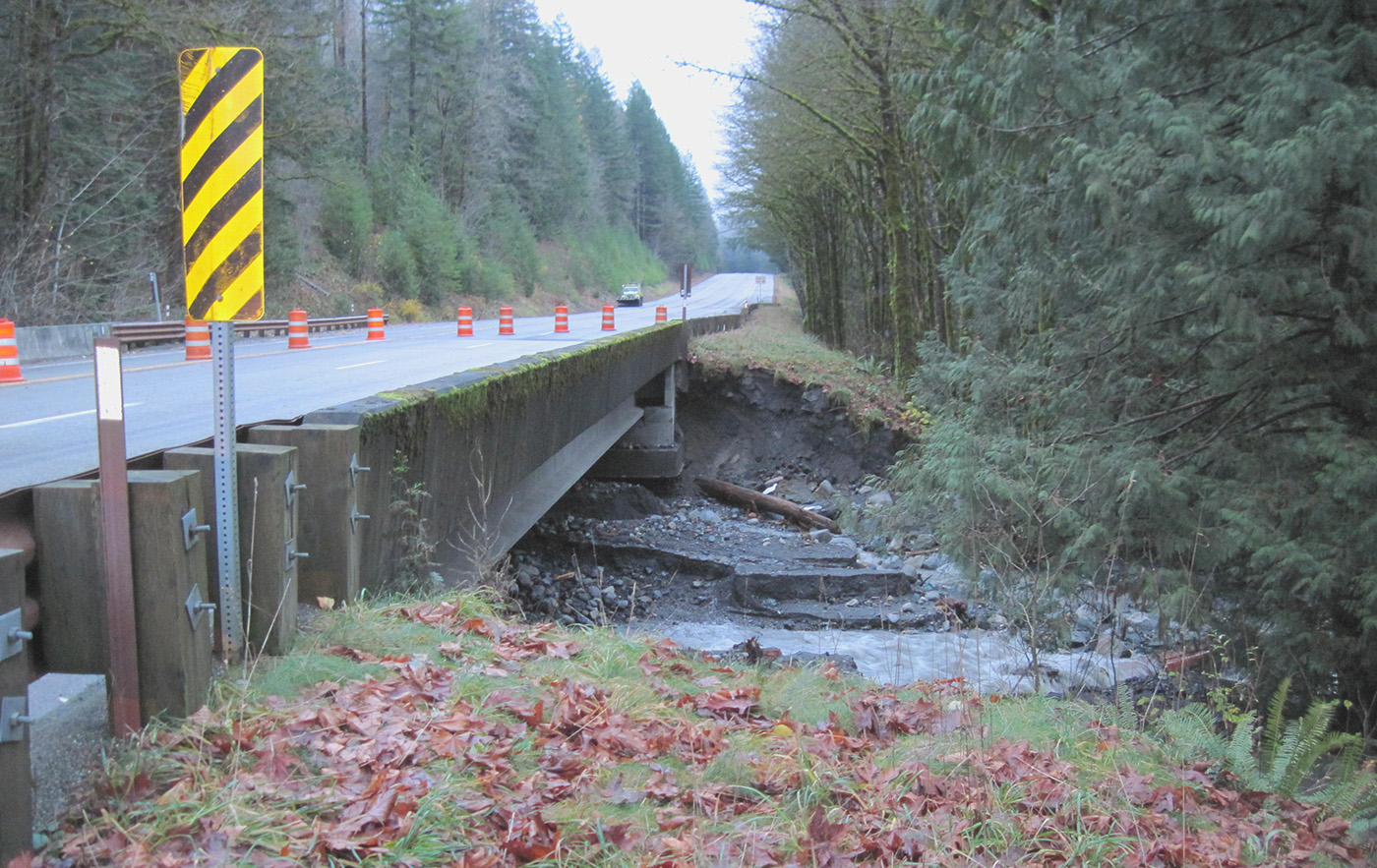 WSDOT: 1 lane of United States 2 near Stevens Pass now open