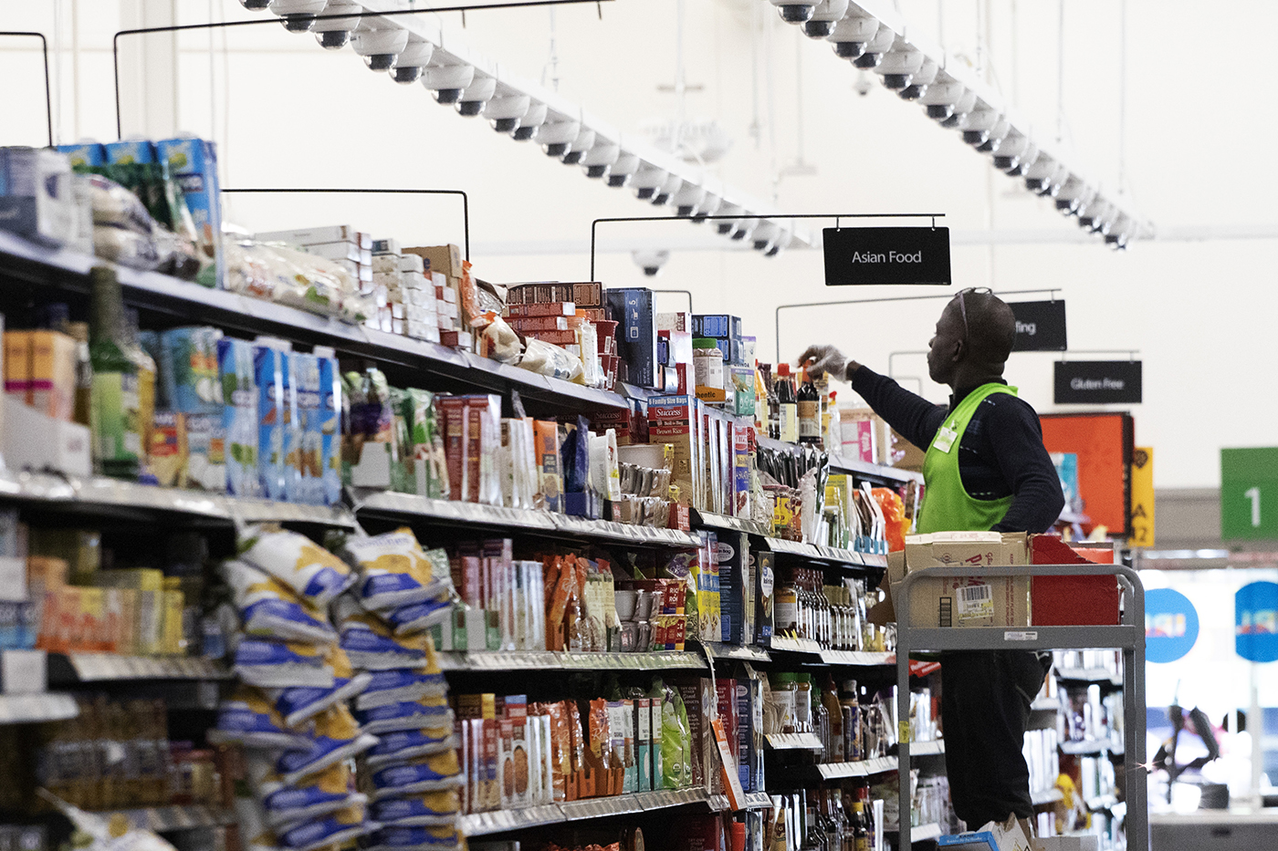Walmart Tests the Grocery Store of the Future